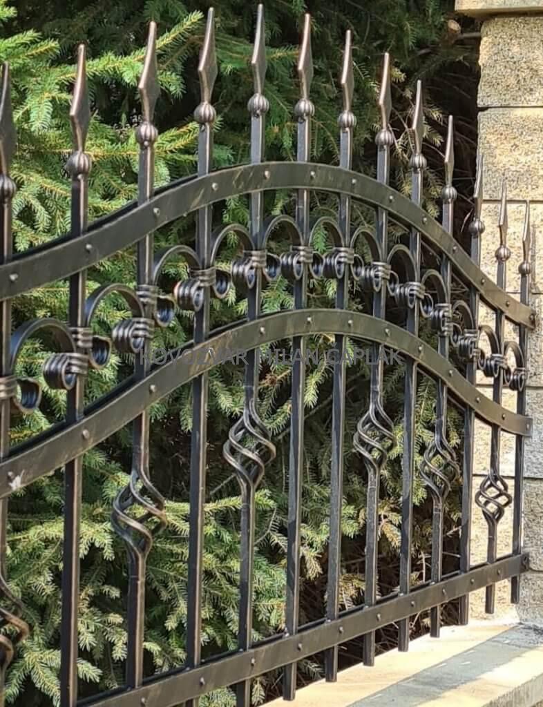 Montáž brány na Kramároch